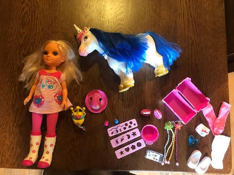 Nancy con pony con accesorios