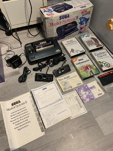 Sega master sistem 2 con caja y 5 juegos 2 mandos