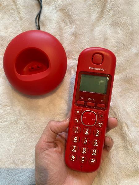 Teléfono inalámbrico panasonic rojo