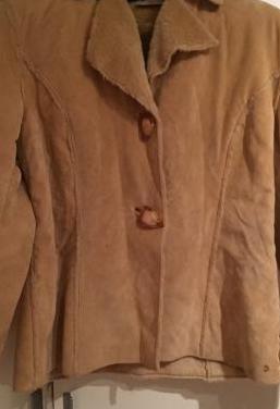 Abrigo piel girada sintética