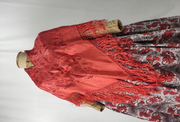 Antiguo pañuelo adamascado color coral