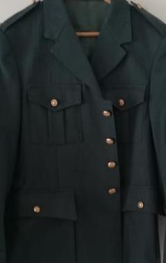 Chaqueta militar verde, no sale bien