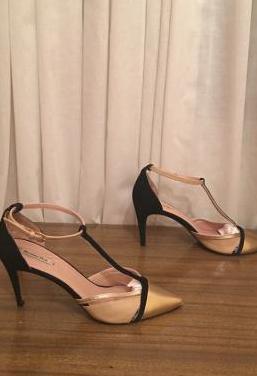 Massimo dutti - zapatos tacón si esta mujer