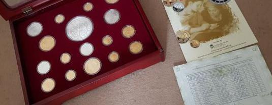 Monedas plata historia