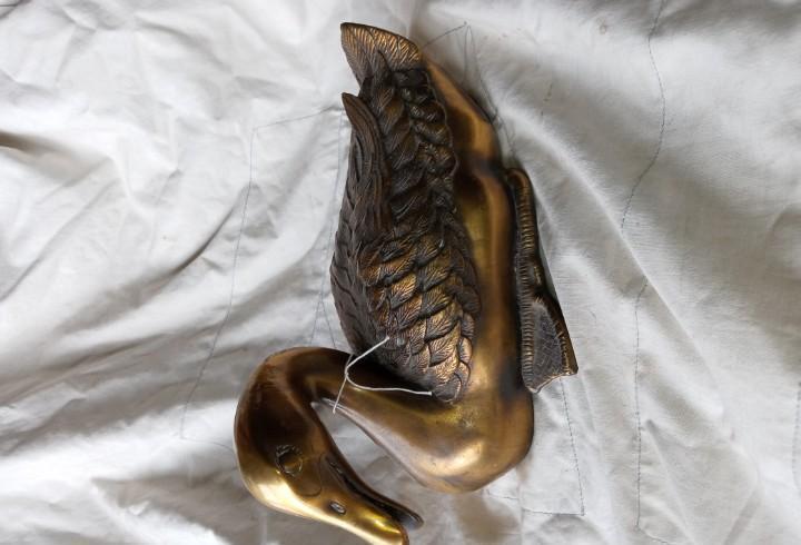 Pato de bronce