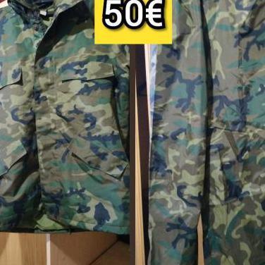 Ropa militar. chaquetón y pantalón.
