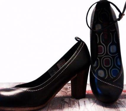 Zapatos tacón marca bata nº 35