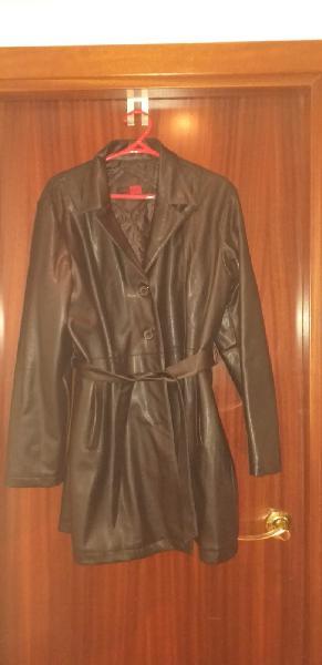 Abrigo semi largo imitacion piel