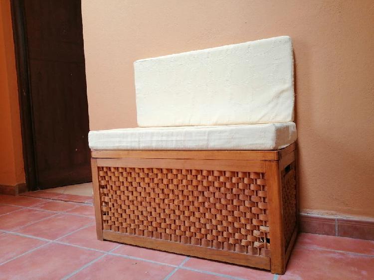 Coqueto baul & sillon