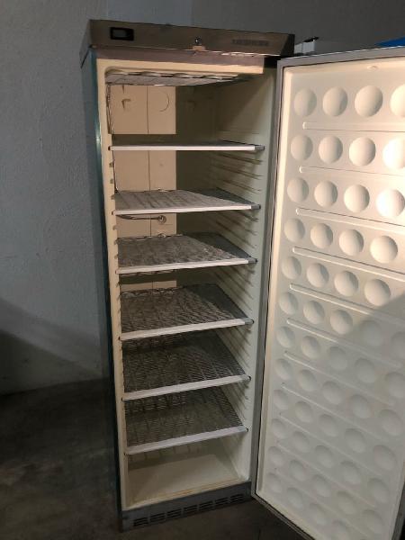 Congelador vertical liebherr de acero inoxidable