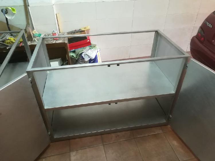 Dos muebles de acero inox