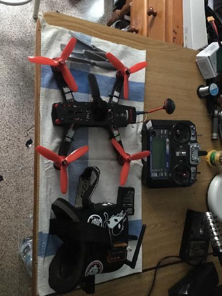 Drone carreas o freestyle, gafas fpv y emisora