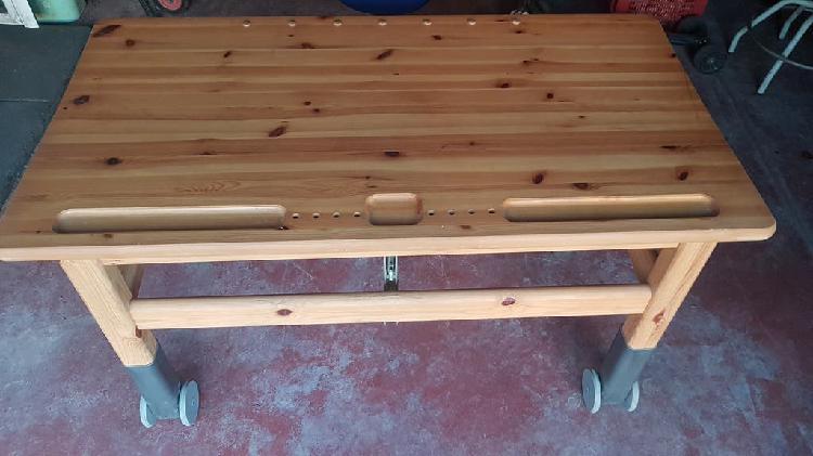 Mesa escritorio madera maciza y silla