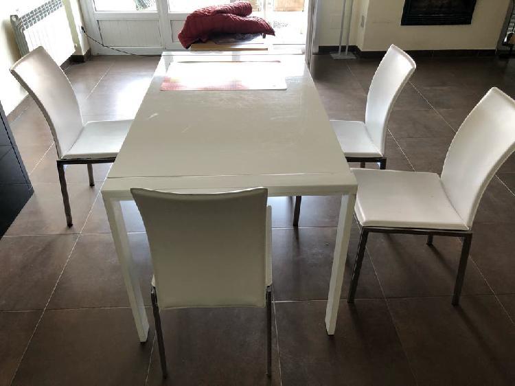 Mobiliario juvenil , de salón , cocina y aire ac