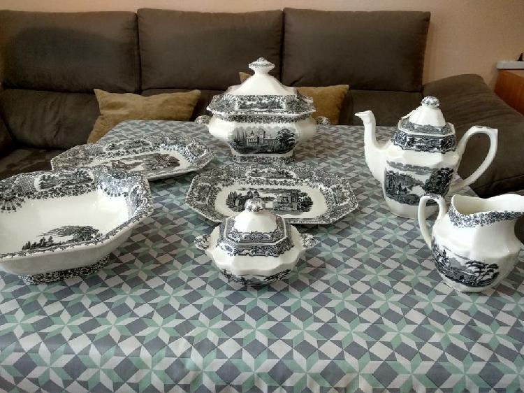 Vajilla y juego de té completos cartuja de sevilla