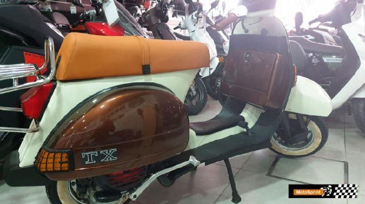 Vespa tx 200 restaurada año 1989