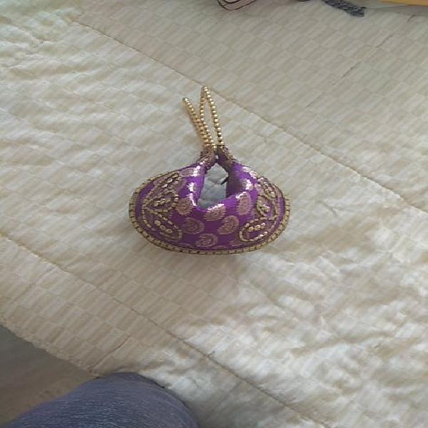 Bolso mujer color lila con decoraciones