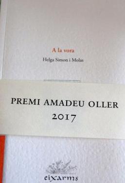 Llibre poemes de helga simon, a la vora