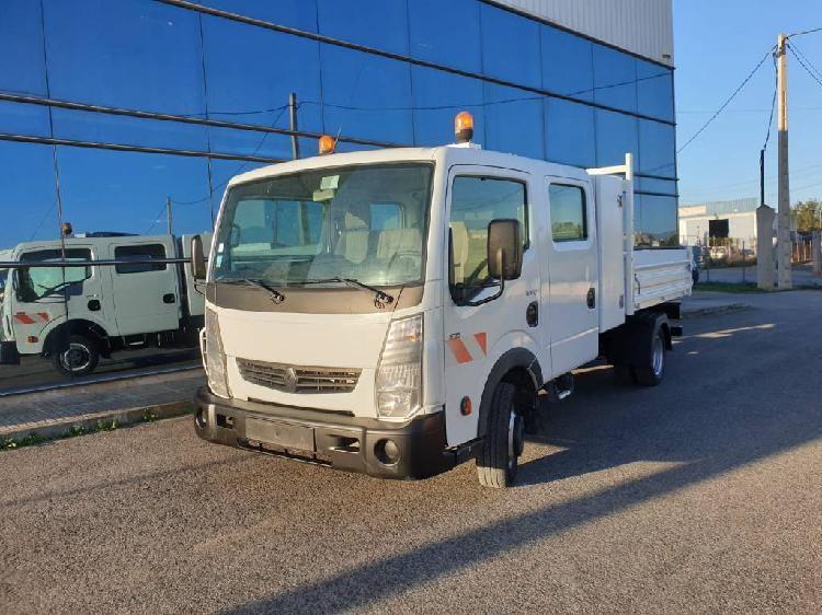Renault maxity dump truck iveco good condition en venta