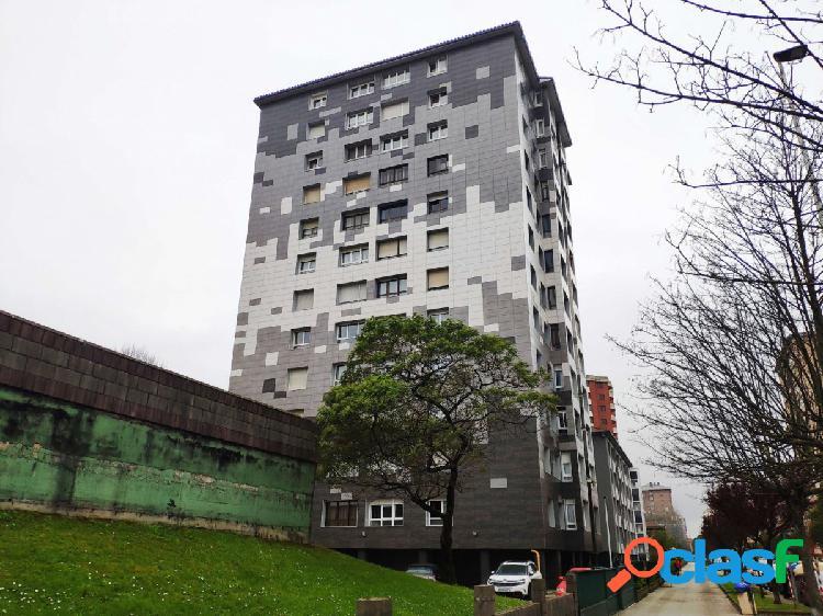 Piso de 3 habitaciones con ascensor y parking comunitario