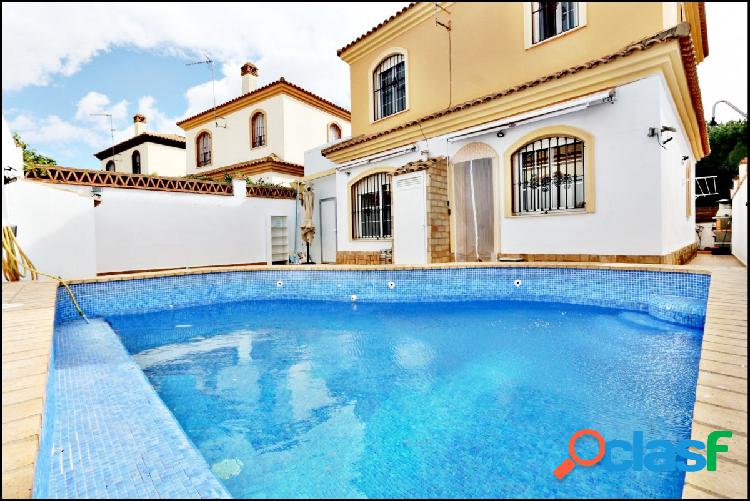 Chalet con piscina propia - ayamonte