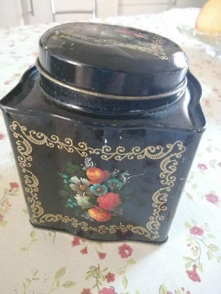Caja antigua de latón pintada para coleccion