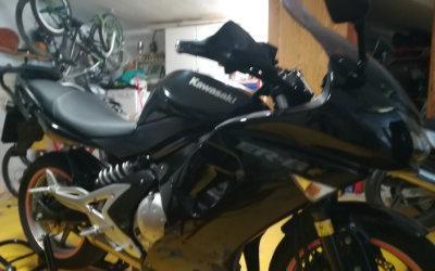 Se vende moto de escuela para el permiso a. se puede limitar