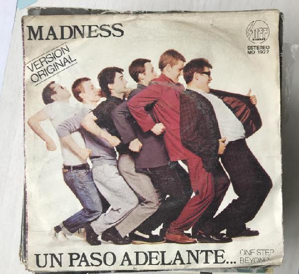 Madness - un paso adelante... one step beyond - single stiff