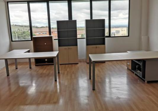 Mobiliario de oficina 1 año de uso