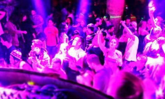 Ref 1303 bar espectaculo barrio hortaleza