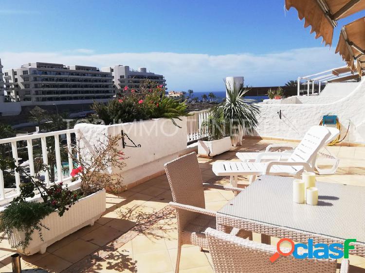 Estupendo piso con vistas al mar en playa paraíso - en venta