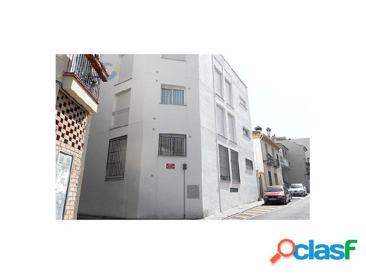 Gestion c ofrece a la venta un coqueto piso bajo con patio privado en el municipio de cájar, granada. atencion rebaja!