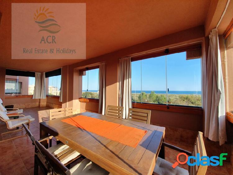 Espectacular apartamento con increíbles vistas al mar