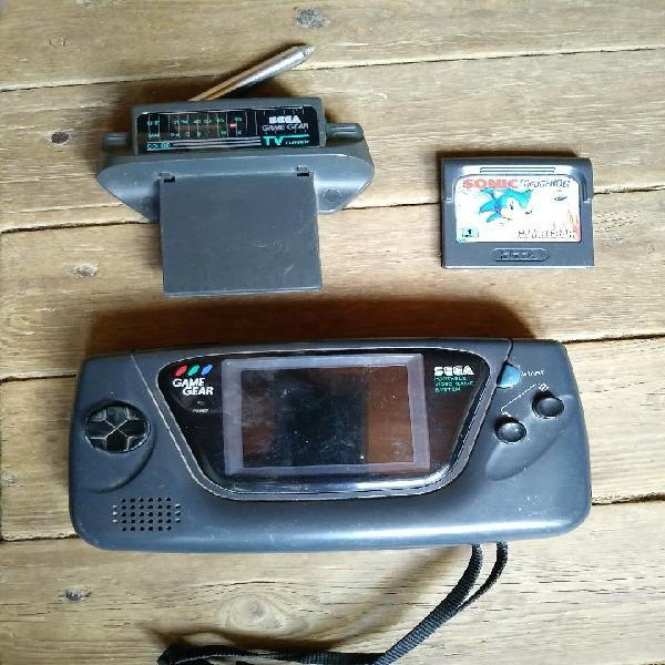 Game gear con adaptador tv y juego sonic