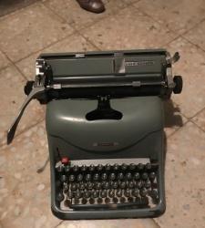 Maquina escribir hispano olivetti lexicon 80