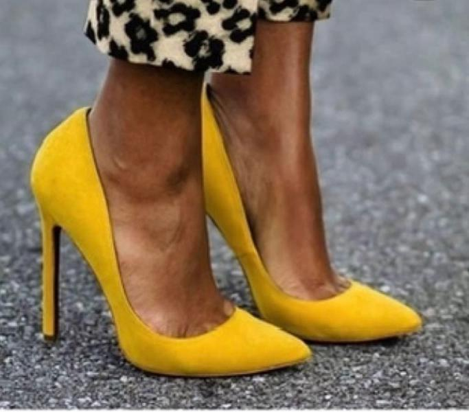Tacon salon amarillo