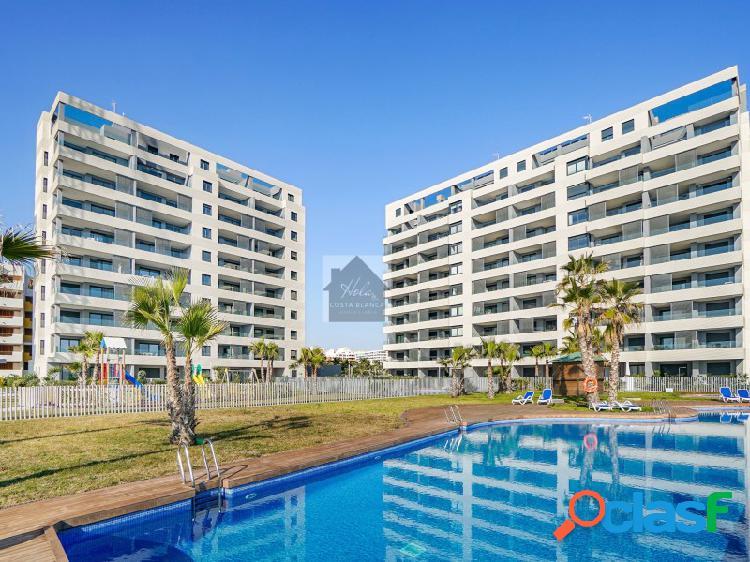 Apartamento con vistas al mar contemporáneo en punta prima 2335 an