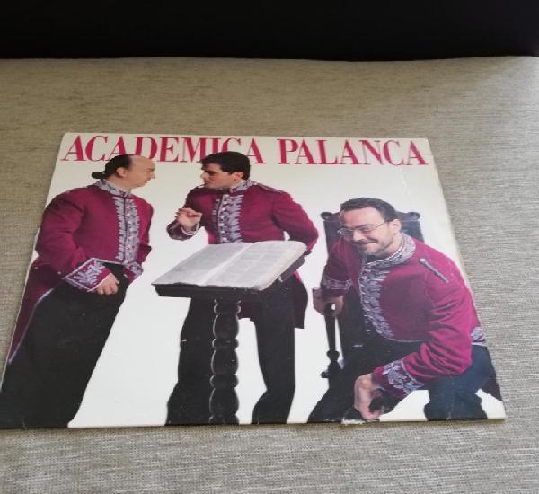 Academia palanca-lp