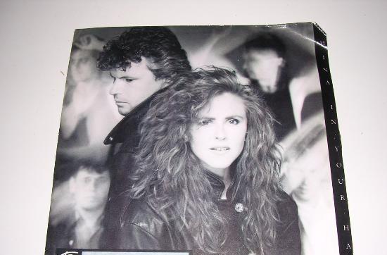 T'pau (china in your hand -no sense of pride) 1987 single45