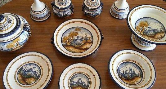 Vajilla artesanal de cerámica granadina
