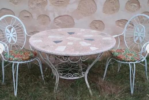 Mesa/sillas jardín blancas metálicas
