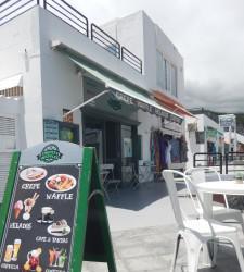 Crepes cafe helados cocktail frente mar