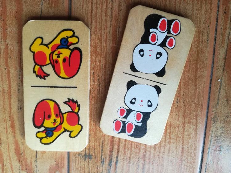 Juego de madera domino animales