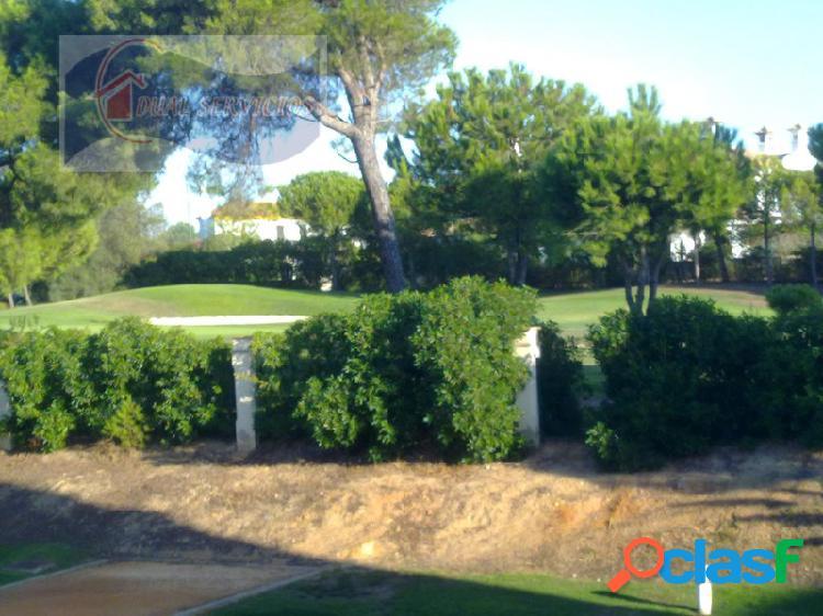 Se vende estupendo adosado en campo de golf en nuevo portil, huelva