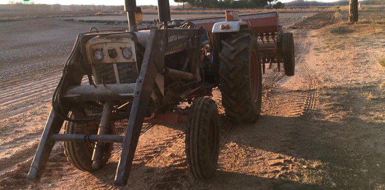 Compra de Pala de tractor para david brown en Valladolid
