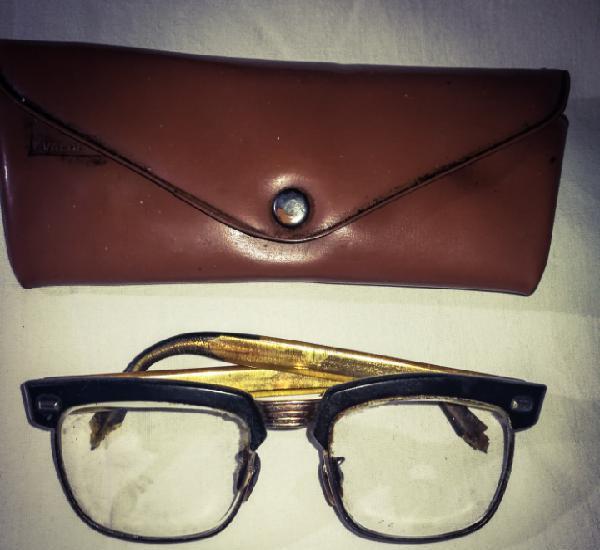 Gafas retro años 50-60.con funda, valdepeñas, defecto al