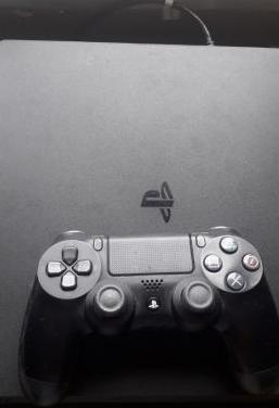 Ps4 slim 500gb mando 4 juegos