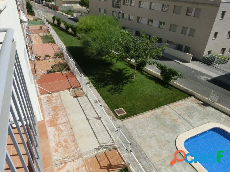 Apartamento de 68 m2, consta de 2 dormitorios. terraza. piscina. producto bancario