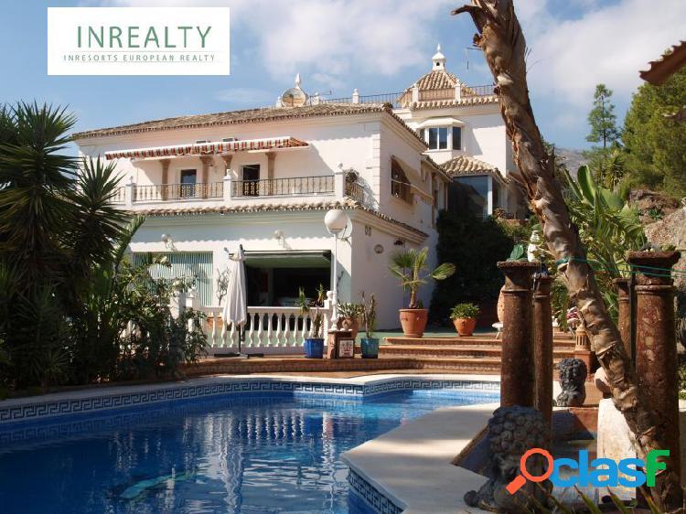 Inrealty ofrece Villa de Lujo en venta. Ctra Mijas-Fuengirola.
