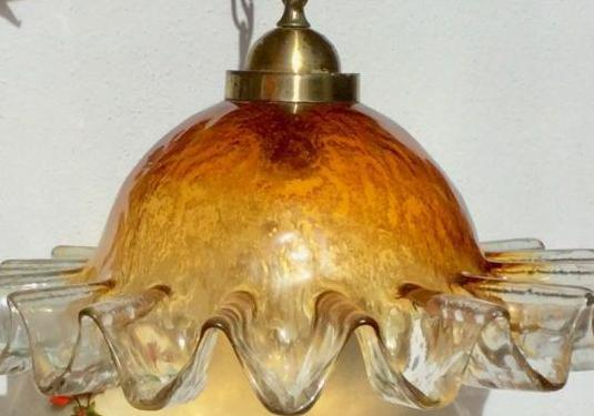Antigua lámpara cristal soplado.